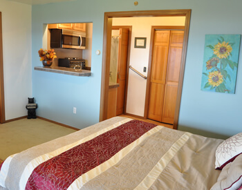 guest-rooms-view-all-bears-den